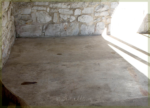 How to Marbelize Concrete with Paint and Stain