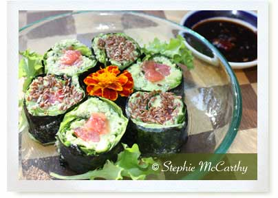 Citrusy avocado-hemp sushi